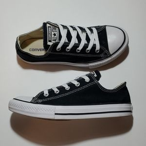 CONVERSE ALL-STAR LOWTOPS,  YOUTH SIZE 3 EUC
